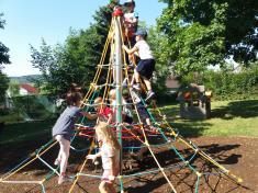 Nový herní prvek na školní zahradě